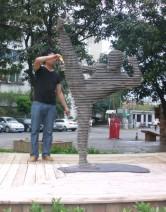 佛山李小龙瓷片雕塑